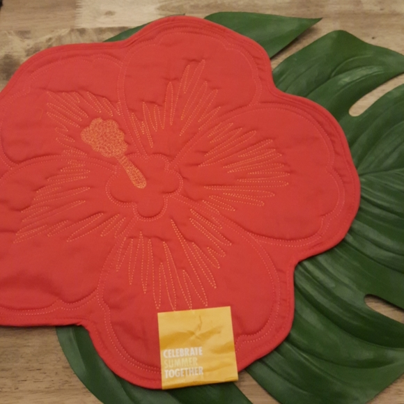 Kohl's Other - 🌺Hibiscus Placemat Bundle🌴